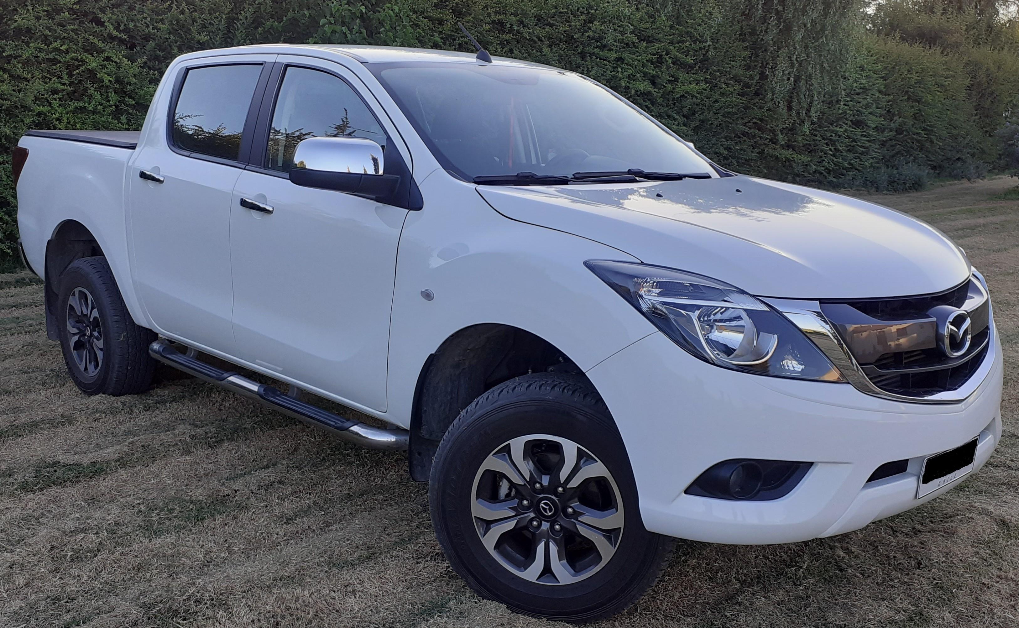 Mazda BT-50 DOBLE CABINA, SDX 4X4, DIÉSEL. año 2018
