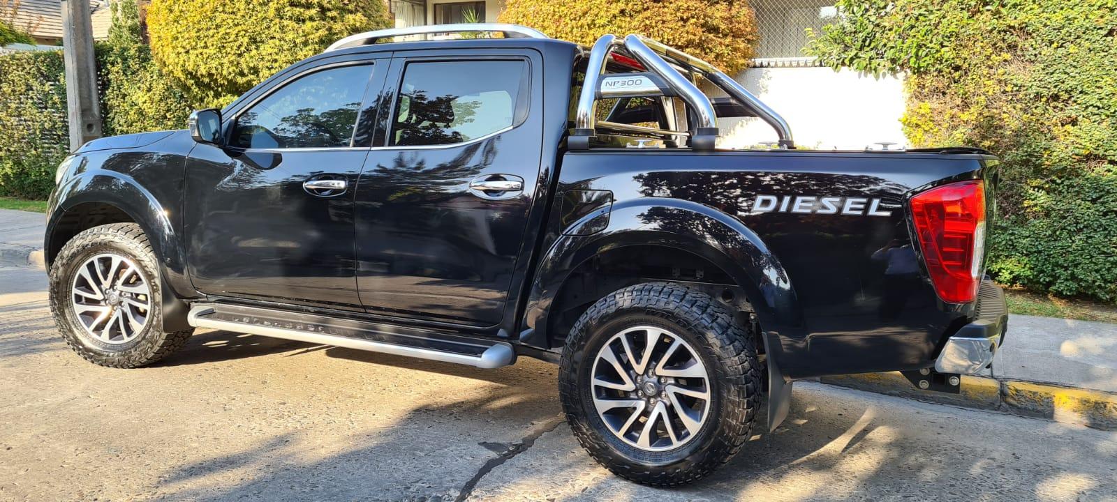 Nissan NP300 Version 2.3 DC LE 2.3D AT 4WD año 2018