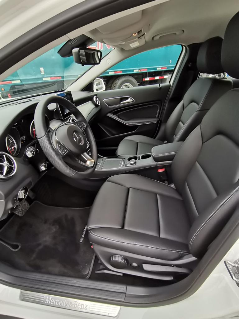 Mercedes-Benz GLA200  año 2021