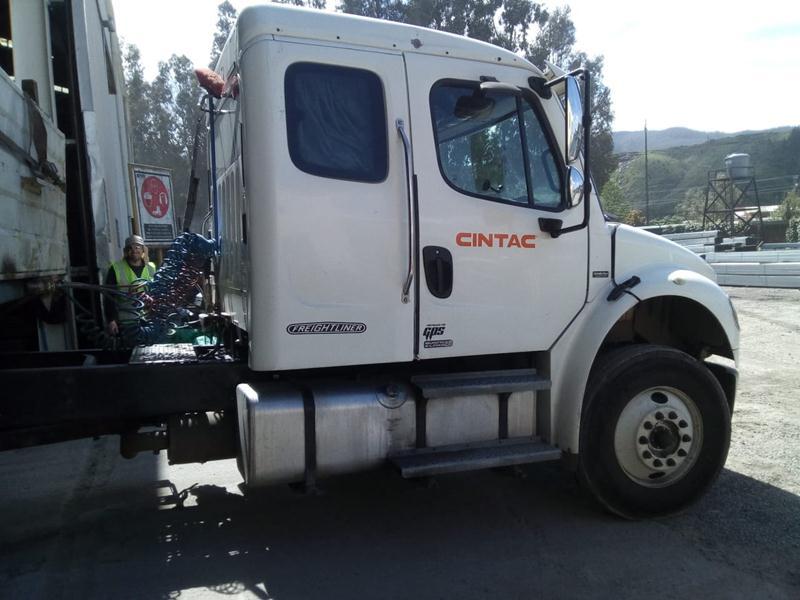 Freightliner M2 106  año 2011