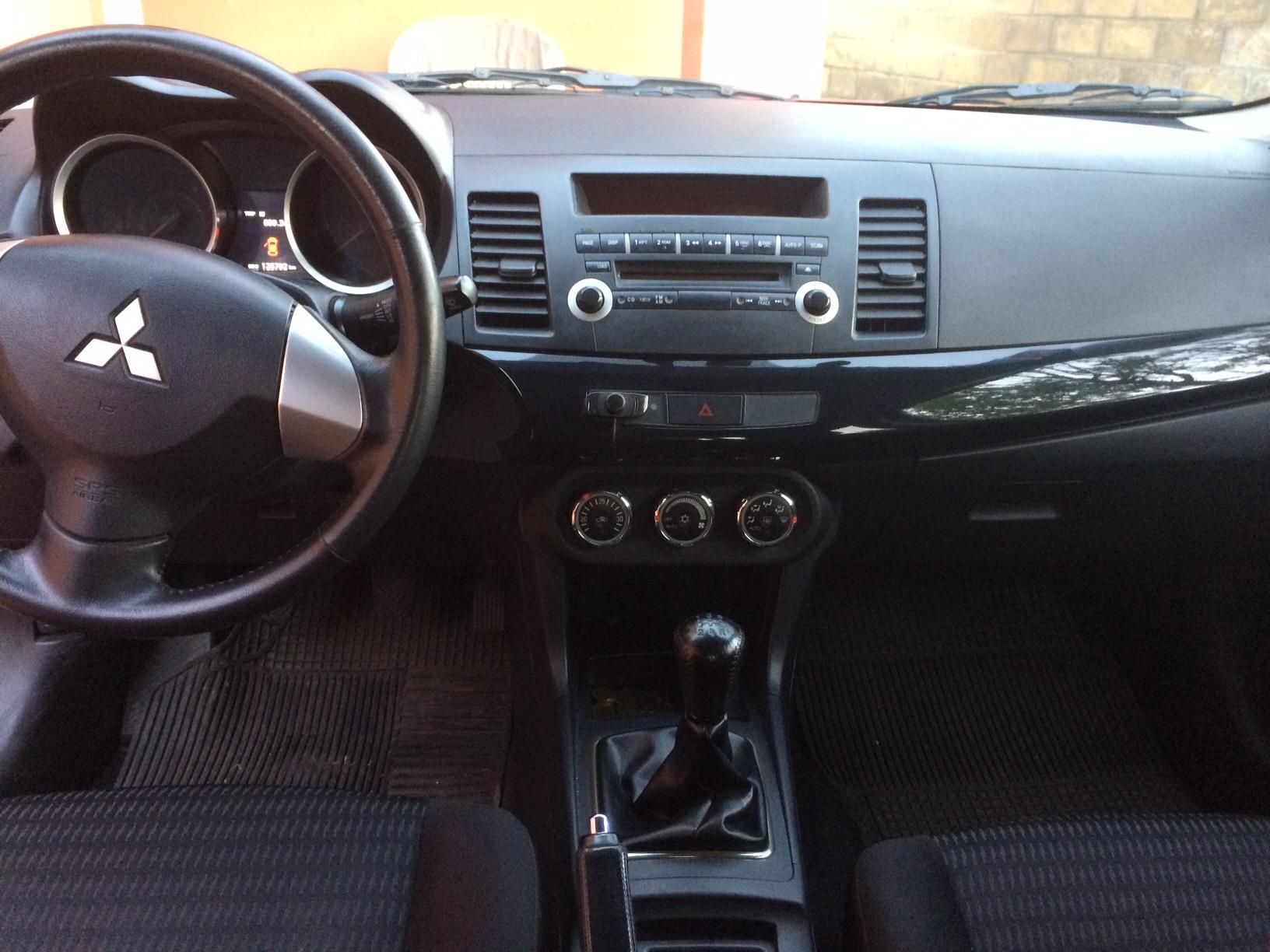Mitsubishi Lancer 1.6 RT Mecanico año 2012